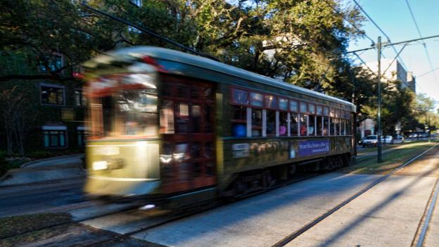 Streetcar on St Charles Avenue (Credit: John Wang/Getty)