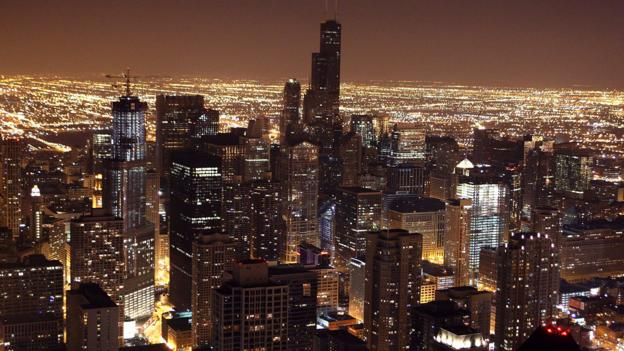 Chi-town at night (Credit: Getty)