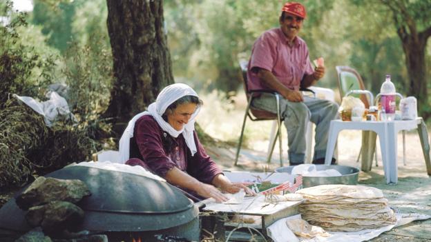 Large Druze pita bread (Credit: Itamar Grinberg, GoIsrael.com)
