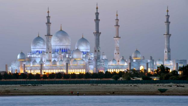 The iconic Sheikh Zayed Mosque (Credit: Eric Nathan/Getty)