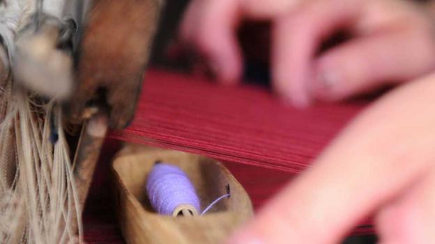 Weaving textiles at Ock Pop Tok (Credit: Jo Smith)