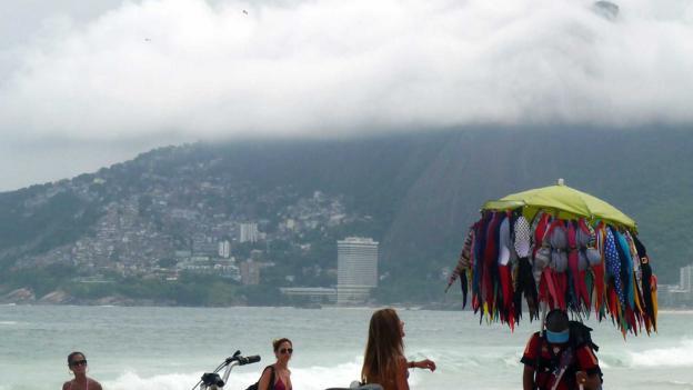 Bikes and beach vendors (Credit: Pamela Gupta)