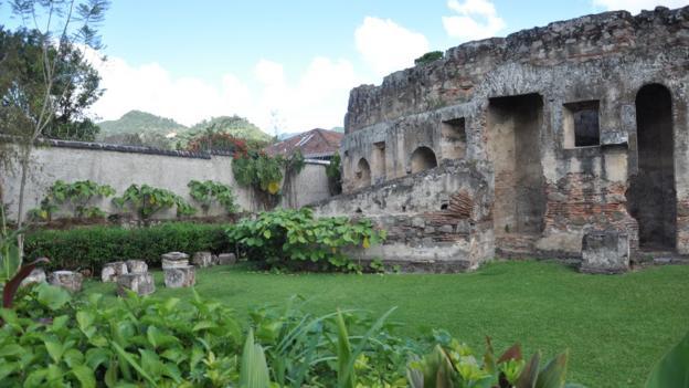 Iglesia y Convento de las Capuchinas (Credit: Laura Mallonee)