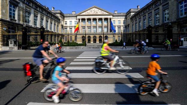 Car free Sundays (Credit: Nicolas Lambert/AFP/Getty)