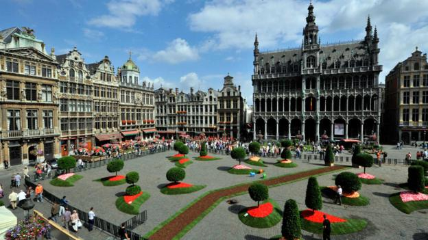 A flower installation in La Grand-Place (Credit: Georges Gobet/AFP/Getty)