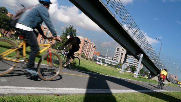 No cars needed (Credit: Rodrigo Arangua/AFP/Getty)