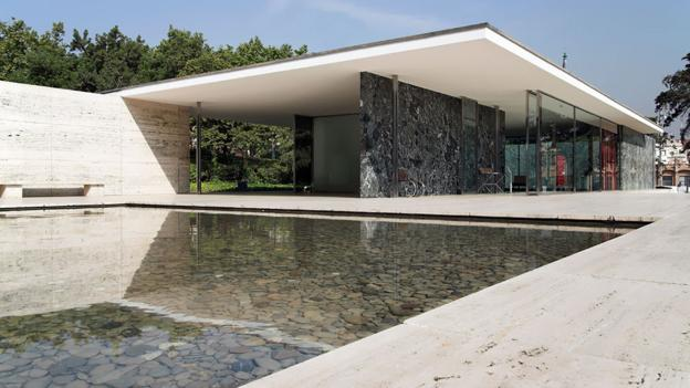 bbc culture why the barcelona pavilion is a modernist classic. Black Bedroom Furniture Sets. Home Design Ideas