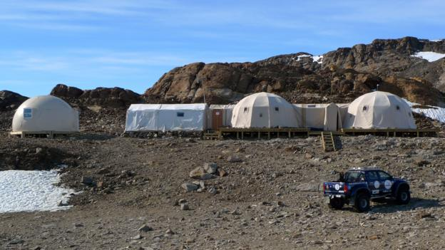 Main tents and shower pod (Credit: White Desert)