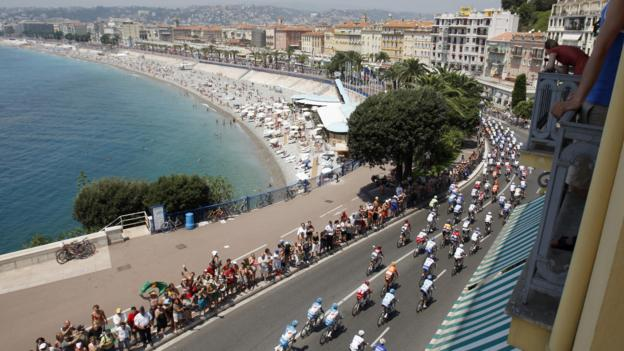 Cycling the Promenade des Anglais in Nice (Credit: AFP/Getty)