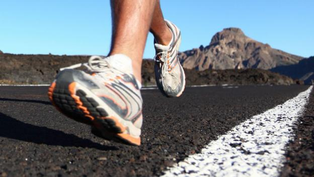 Do special running shoes help prevent foot injury?