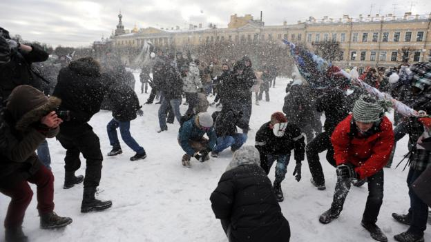A snow fight in in Marsovo Pole park (Credit: Olga Maltseva/AFP/Getty)