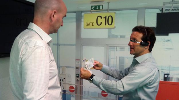An illustration of how Google Glass could ease boarding queues (Credit: Sean O'Neill)
