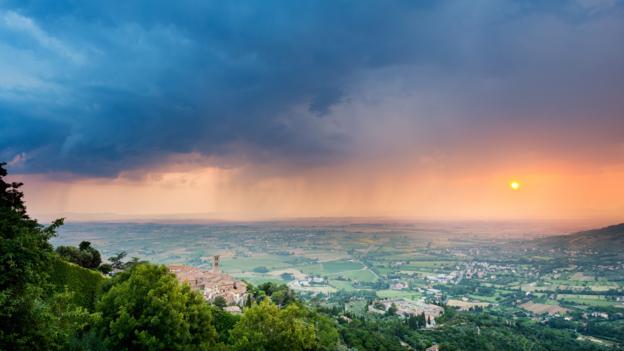 Tumbling valleys (Credit: Justin Foulkes)