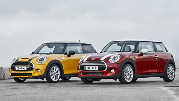 Mini Cooper S and Mini Cooper (Credit: BMW Group)