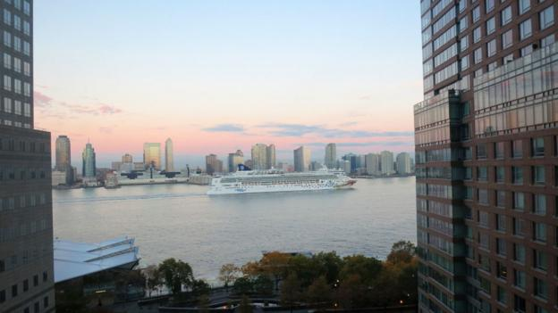 Ask for a view of the Hudson River at the Conrad New York (Credit: Chris McGinnis)