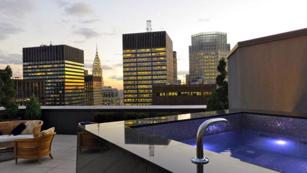 A large outdoor deck and hot tub atop the renovated New York Palace hotel (Credit: Chris McGinnis)