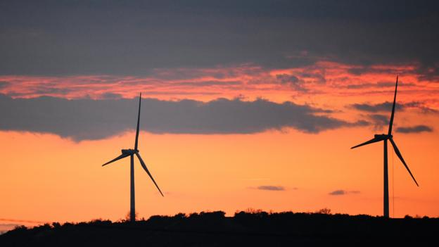 Green bonds often fund clean energy projects. (Getty Images)