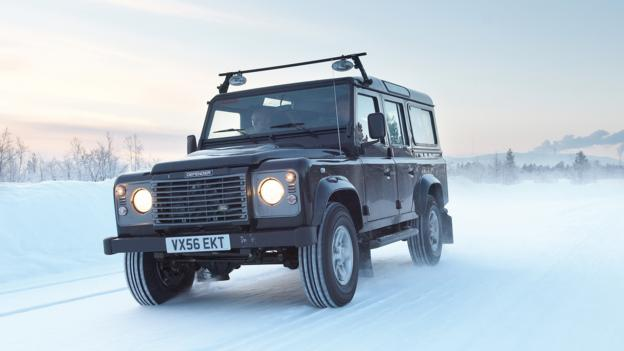 Land Rover Defender (Credit: Land Rover)
