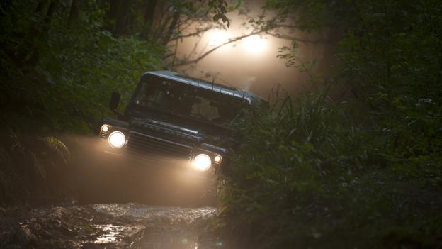 Land Rover Defender (Credit: Land Rover)