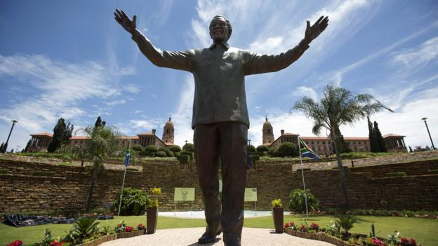 Pretoria's 9m bronze statue of Mandela (Credit: Getty Images)