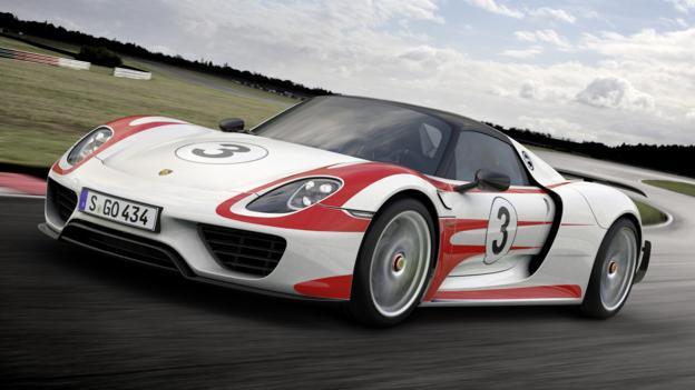 Porsche 918 Spyder with Weissach package (Credit: Porsche Cars)