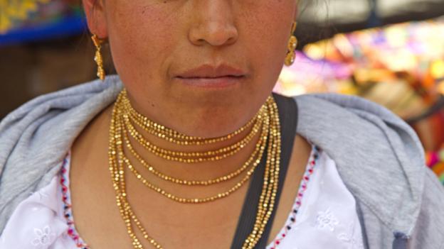 Otavalo stallholder (Credit: Andrew Bain)