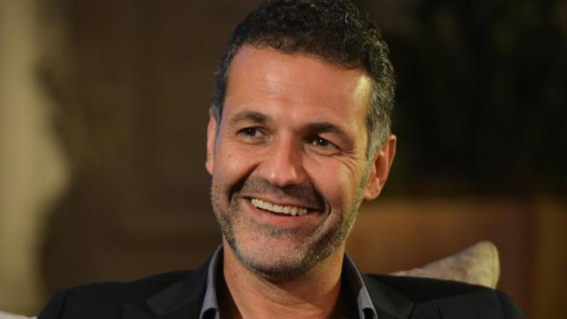 khaled hosseini writing style Khaled hosseini's second novel, a thousand splendid suns, was written after hosseini traveled back to his native afghanistan to examine for himself readers may well observe that hosseini's writing seems american in style because of its open confrontation of difficult moral, social, and political issues.