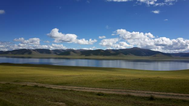 Terkhiin Tsaagan Lake (Credit: Tatyana Leonov)