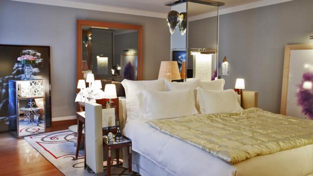 Sleep in style (Credit: Le Royal Monceau-Raffles Paris)