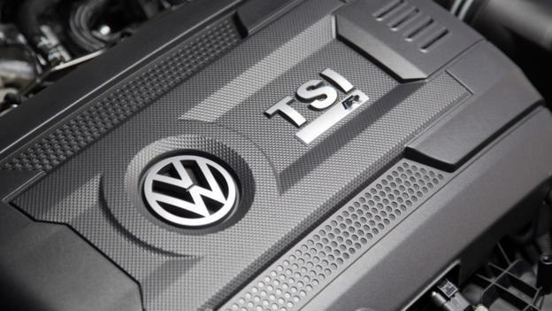 2015 Volkswagen Golf R (Credit: Volkswagen Group)