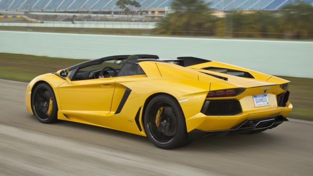 Lamborghini Aventador Roadster (Credit: Automobili Lamborghini)