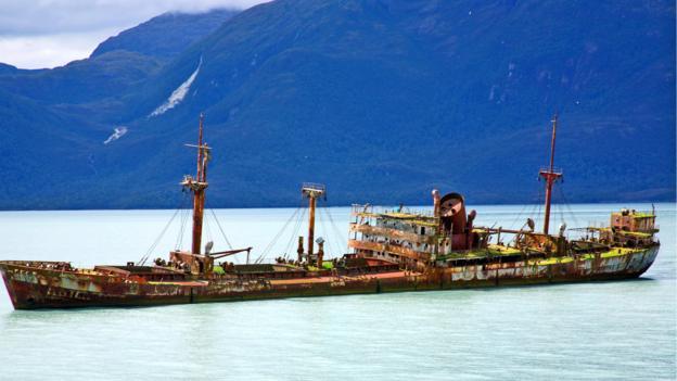 A wrecked freighter enroute (Credit: Gabi Mocatta)