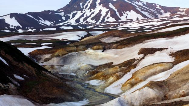 Death Valley and Kikhpinich Volcano (Credit: Igor Shpilenok)