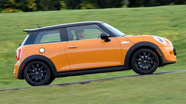 2014 Mini Cooper S (Credit: BMW Group)