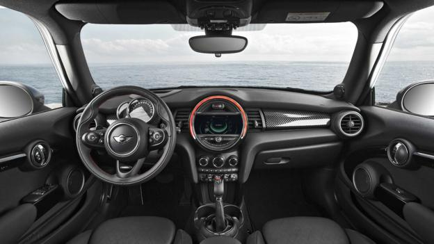 2014 Mini Cooper (Credit: BMW Group)