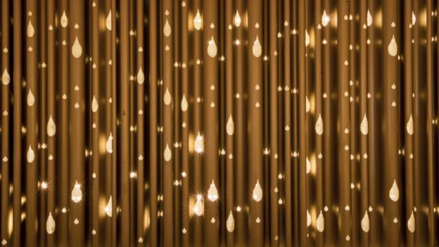 A lamp-lit Diya curtain (Credit: CSIA Mumbai)