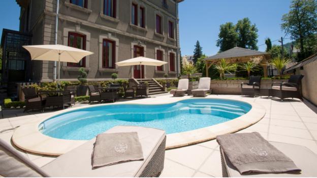 Relaxing renovations (Credit: La Villa de Mazamet)