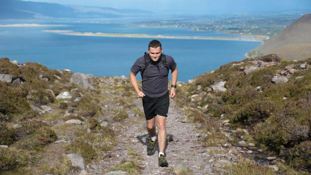 Kerry Way Ultra competitor Daniel McSweeney on Drung Hill (Credit: Valerie O'Sullivan/Kerry Way Ultra)
