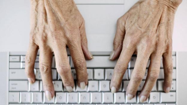 Old hands on keyboard (Thinkstock)