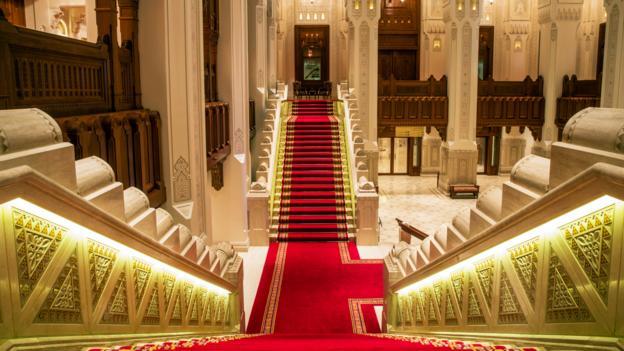 Oman unrolls the red carpet (Credit: Khalid AlBusaidi/Royal Opera House Muscat)
