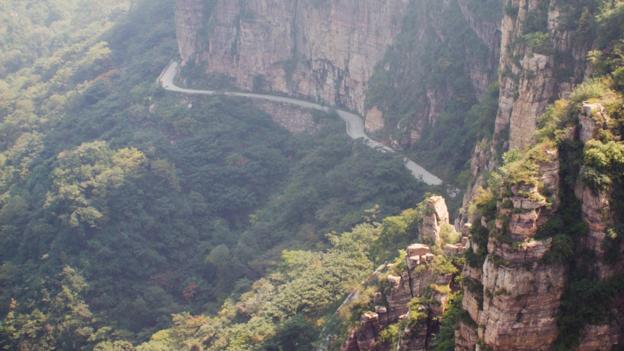 Treacherous Guoliang Tunnel (Credit: Zhen Miao/Getty)