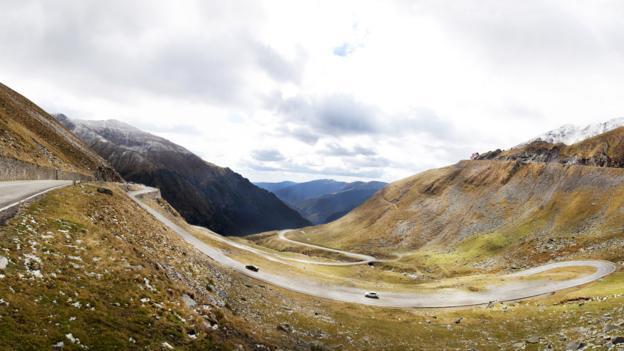 Twists and turns of Transfagarasan Road (Credit: Hutch Axilrod/Getty)