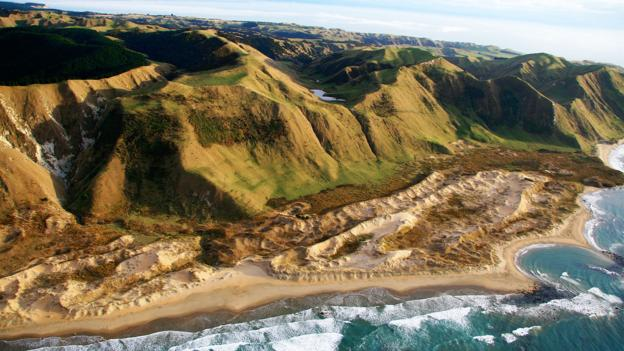 North Island's Ranaika Beach (Credit: Cape Kidnappers)