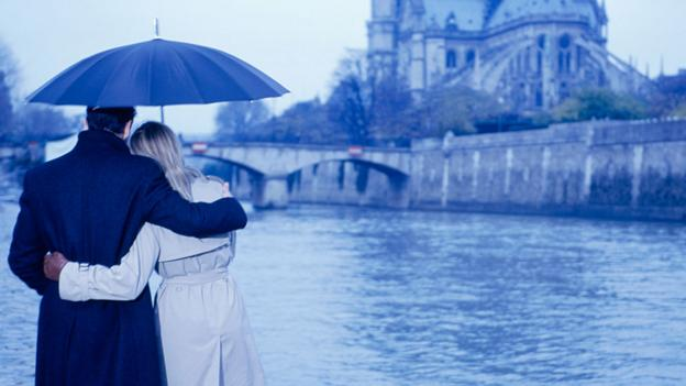 Are office romances all they are cut out to be? (Thinkstock)