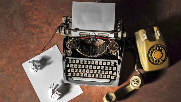 Will paper CVs or resumes go the way of typewriters and landlines? (Thinkstock)