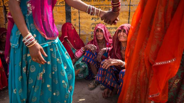 Women in Rajasthan (Credit: Kevin Frayer/Getty)