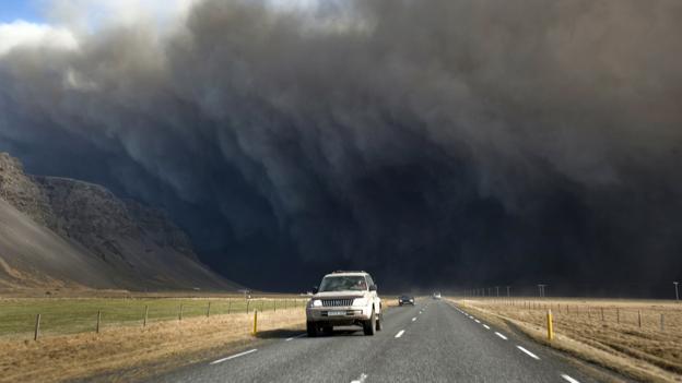 Fleeing from ash clouds (Credit: Halldor Kolbeins/AFP/Getty)