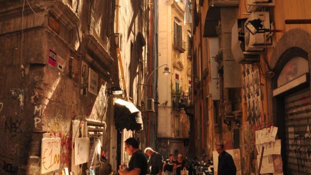 Side street, Naples (Credit: Amanda Ruggeri)