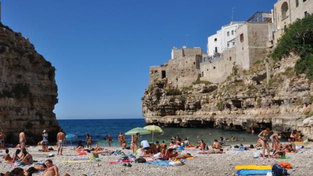 Town beach at Polignano a Mare, Puglia (Credit: Amanda Ruggeri)
