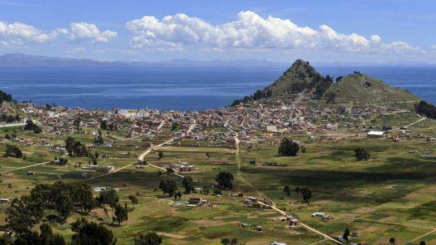 The town of Copacabana sits on the shore of Lake Titicaca (Credit: Jorge Bernal/AFP/Getty)
